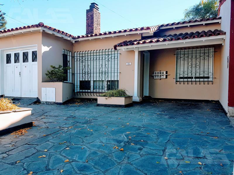 Foto Casa en Alquiler en  Ituzaingó ,  G.B.A. Zona Oeste  Gelpi al 500