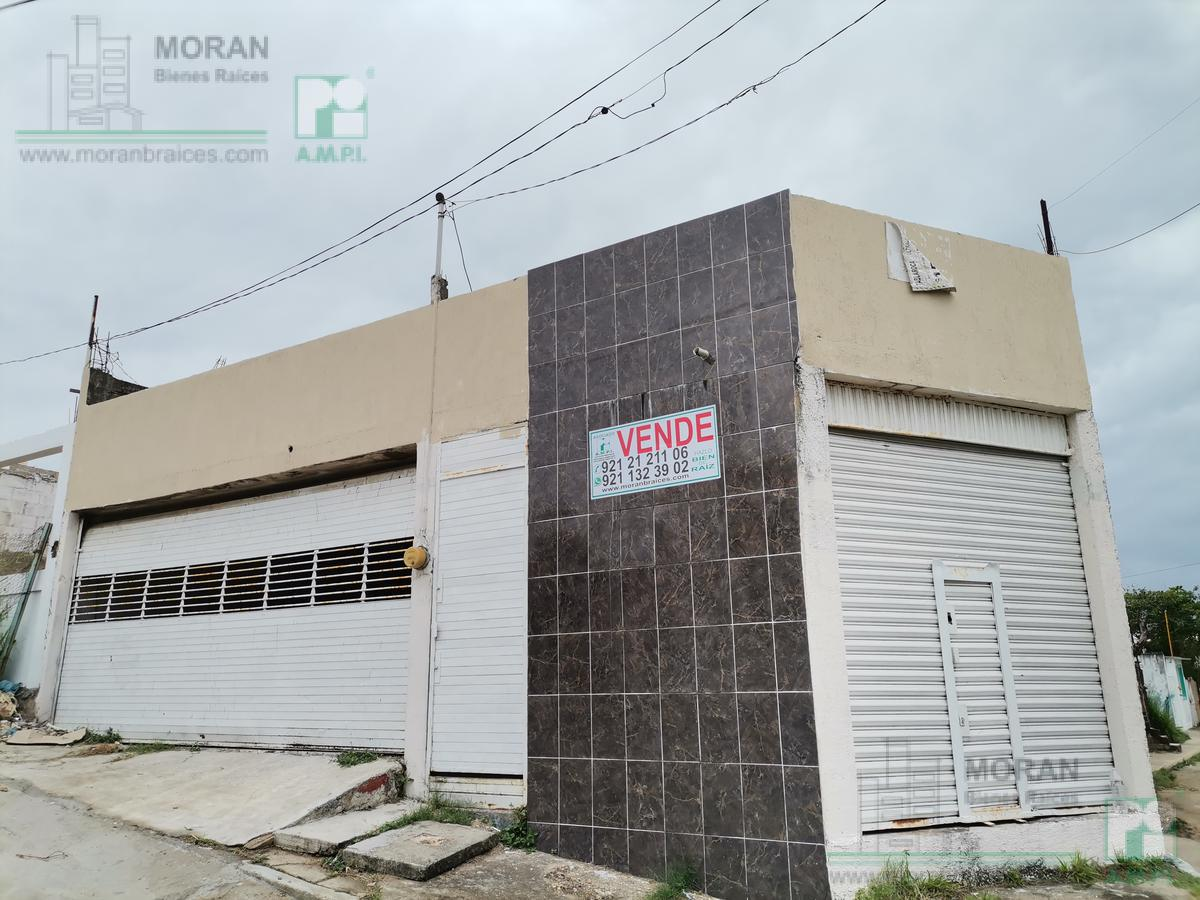 Foto Casa en Venta en  Santa Isabel,  Coatzacoalcos  Avestruces No. 26 esquina calle Alondras, colonia Santa Isabel III, Coatzacoalcos, Veracruz
