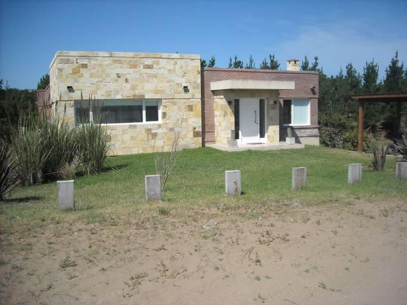 Foto Casa en Venta en  Costa Esmeralda,  Punta Medanos  Residencial I 224