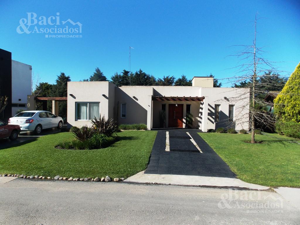Foto Casa en Venta en  El Centauro,  Countries/B.Cerrado (E. Echeverría)  El Centauro