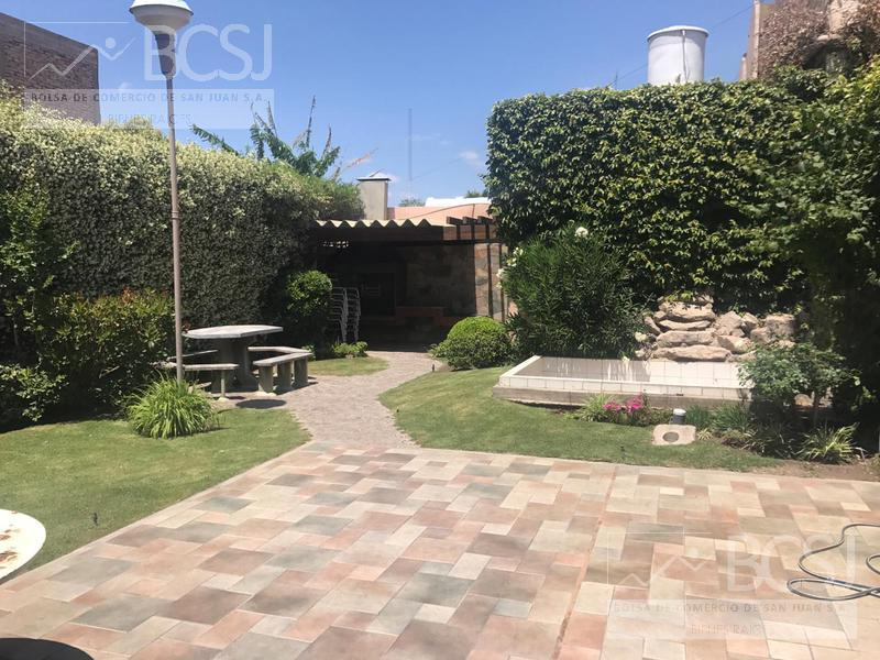 Foto Casa en Venta en  Capital ,  San Juan  General Paz al 500