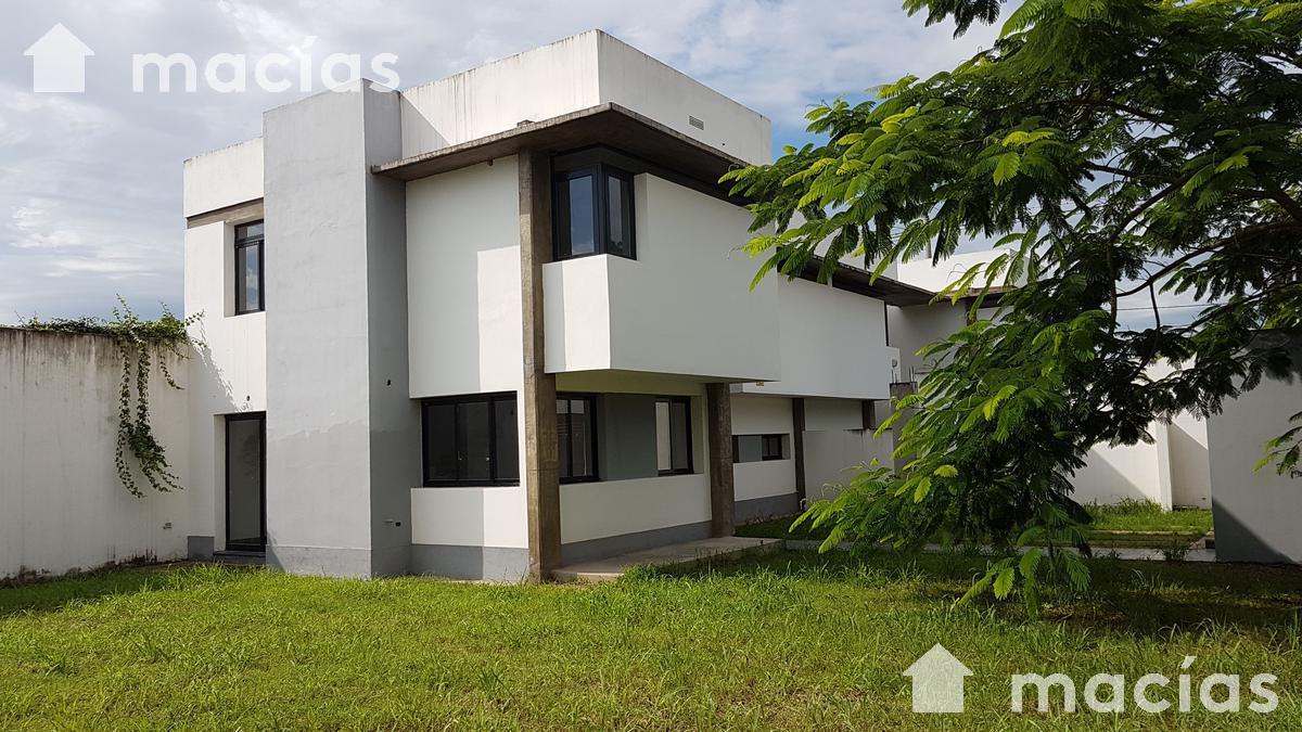 Foto Casa en Venta en  Capital ,  Tucumán  Thames e Higueritas