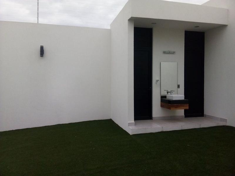 Foto Casa en Venta en  León ,  Guanajuato  Hermosa Casa Nueva en Venta Cañada del Refugio (Norte)