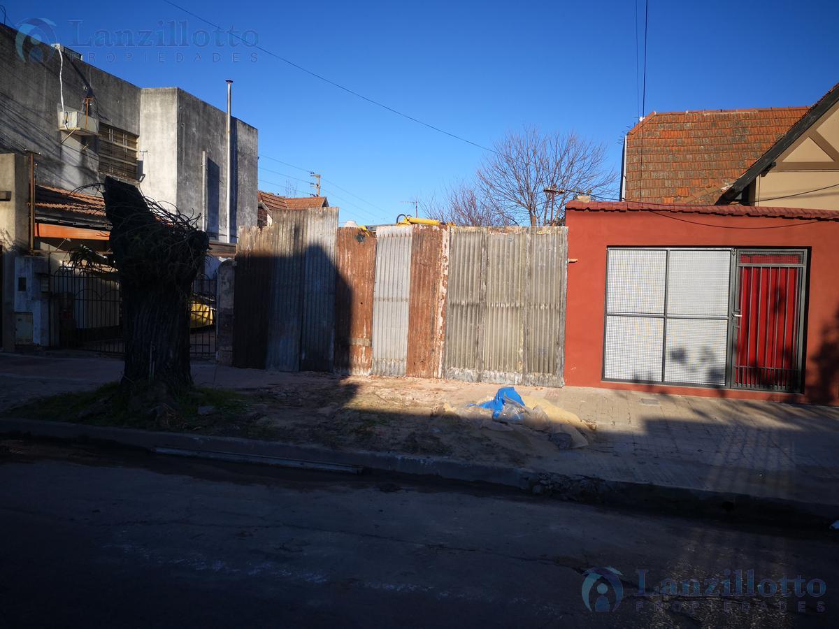Foto Terreno en Venta en  Remedios De Escalada,  Lanus  Juan B. Justo al 2920 Reservado