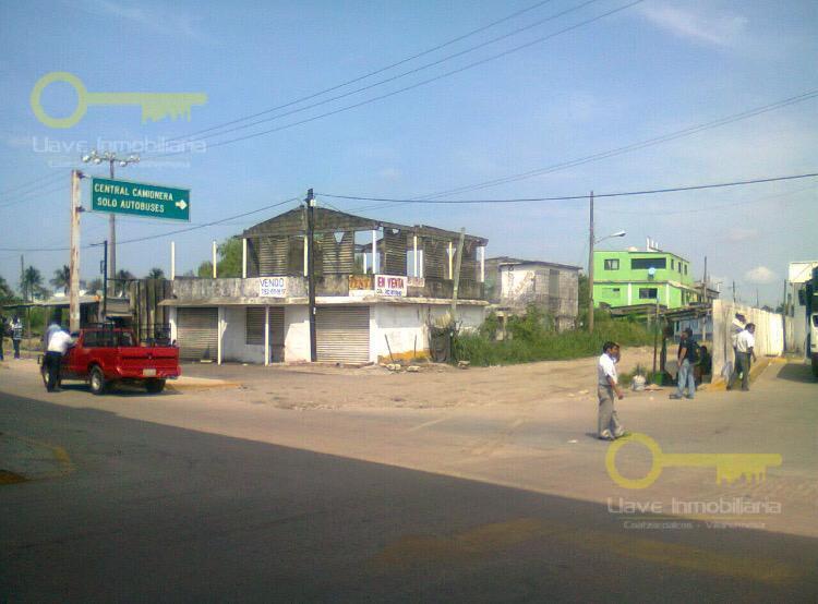 Foto Terreno en Venta en  Villas del Sur,  Coatzacoalcos  Terreno Comercial en Carretera Tansistmica, Col. Villas del Sur