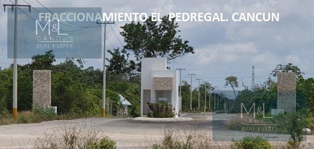 Foto Terreno en Venta en  Alfredo V Bonfil,  Cancún  Terreno en Venta en Cancún, Fraccionamiento El Pedregal de 335 m2  Por Avenida Huayacán ,  Quintana Roo, Mèxico