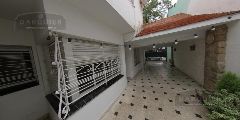 Foto Casa en Venta en  Adrogue,  Almirante Brown  SOMELLERA 715
