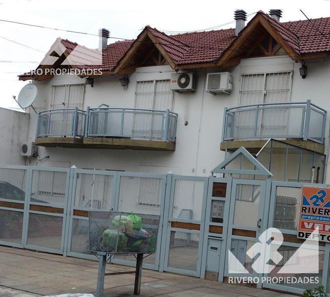 Foto Casa en Venta en  Moron Sur,  Moron          Dr J Jose Castelli  100