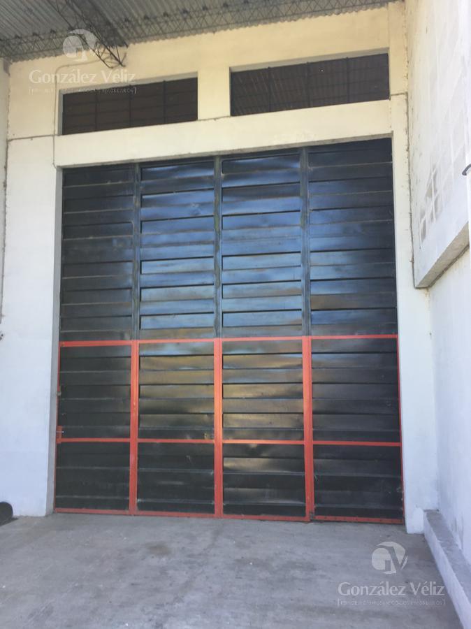 Foto Depósito en Alquiler | Venta en  Carmelo ,  Colonia  Avenida Artigas casi Rivera.