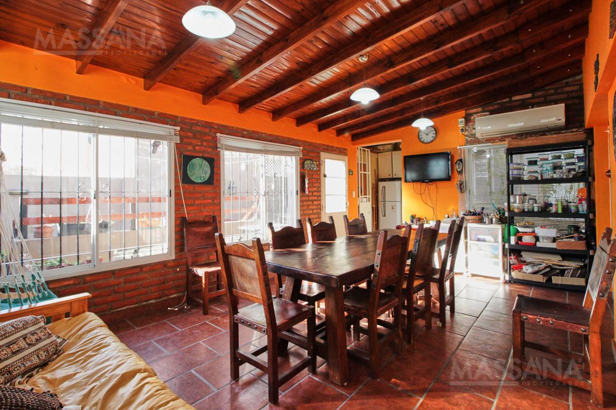 Foto Casa en Venta en  Nuñez ,  Capital Federal  BESARES al 1700