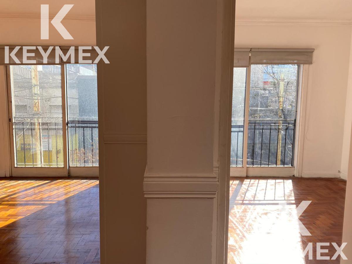 Foto Edificio Comercial en Venta | Alquiler en  San Cristobal ,  Capital Federal  Importante oficina en zona estratégica