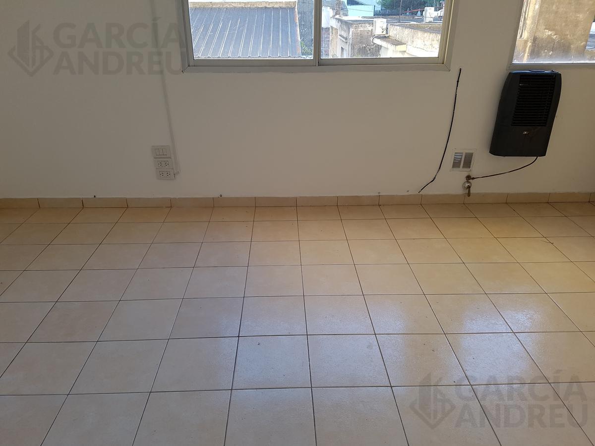 Foto Departamento en Alquiler en  Echesortu,  Rosario  Av. Pellegrini al 3800