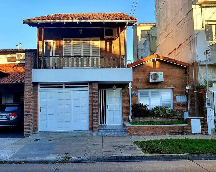Foto Casa en Venta en  Olivos-Golf,  Olivos  alberdi 2100