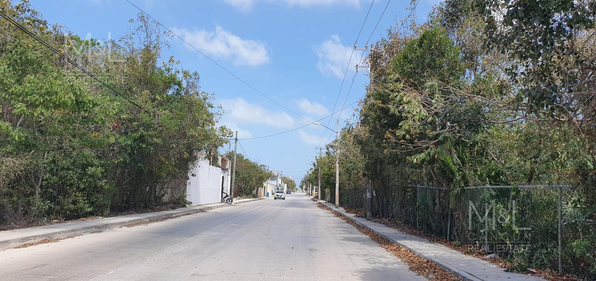 Foto Bodega en Renta en  Supermanzana 313,  Cancún  Bodegas en renta en Cancún de 9  m2. Multibodegas .Avenida Fonatur, Alamos II Supermanzana 313
