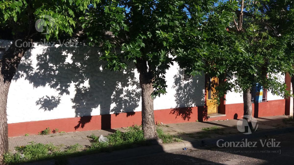 Foto Casa en Alquiler en  Carmelo ,  Colonia  J.P VARELA ENTRE LAVALLEJA Y SOLIS
