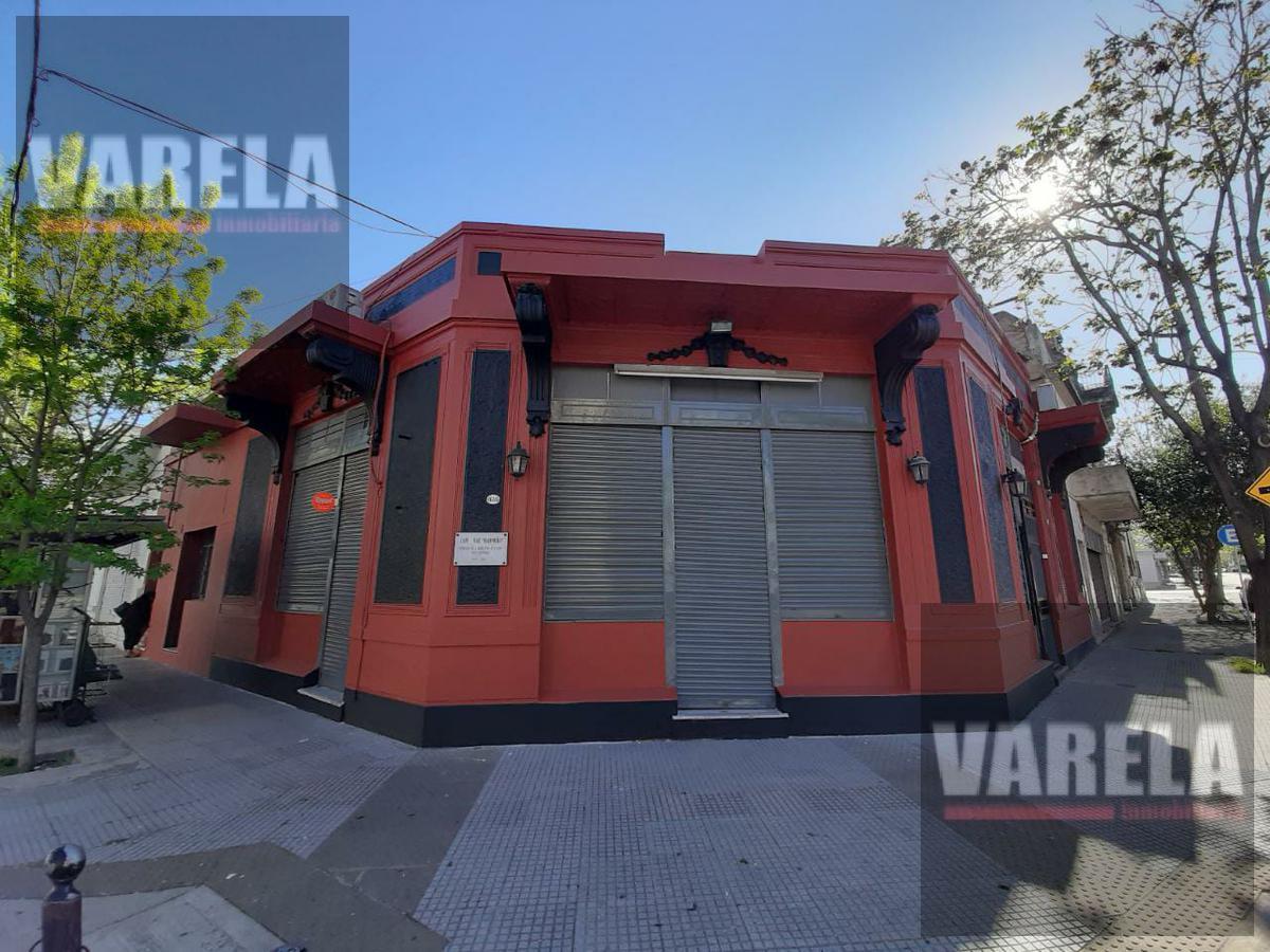 Foto Local en Alquiler | Venta en  Parque Chacabuco ,  Capital Federal  Av. del Barco Centenera 1698