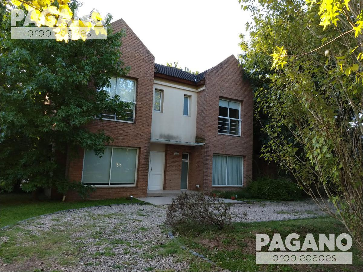 Foto Casa en Venta en  City Bell,  La Plata  467 e/ 144 y 146, Grand Bell Club de Campo