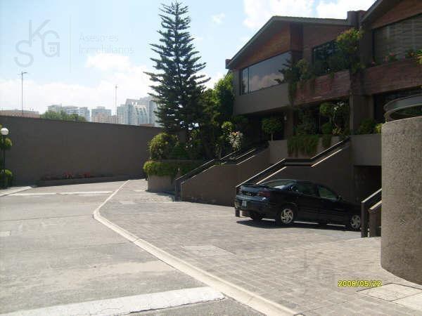 Foto Casa en condominio en Venta | Renta en  Lomas del Olivo,  Huixquilucan  SKG Asesores Inmobiliarios Venden o Rentan casa , Lomas del Olivo