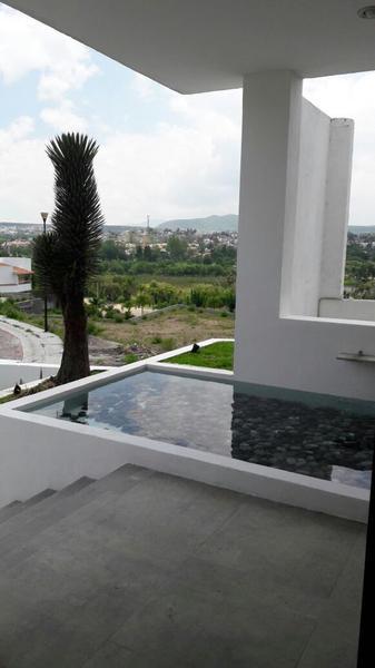 Foto Casa en Renta en  Fraccionamiento Cumbres del Lago,  Querétaro          Casa en renta en Juriquilla, con Vista al lago y Alberca