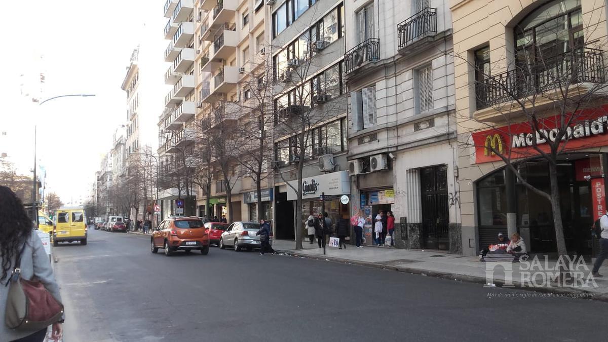 Foto Oficina en Alquiler en  Centro ,  Capital Federal  Uruguay al 700