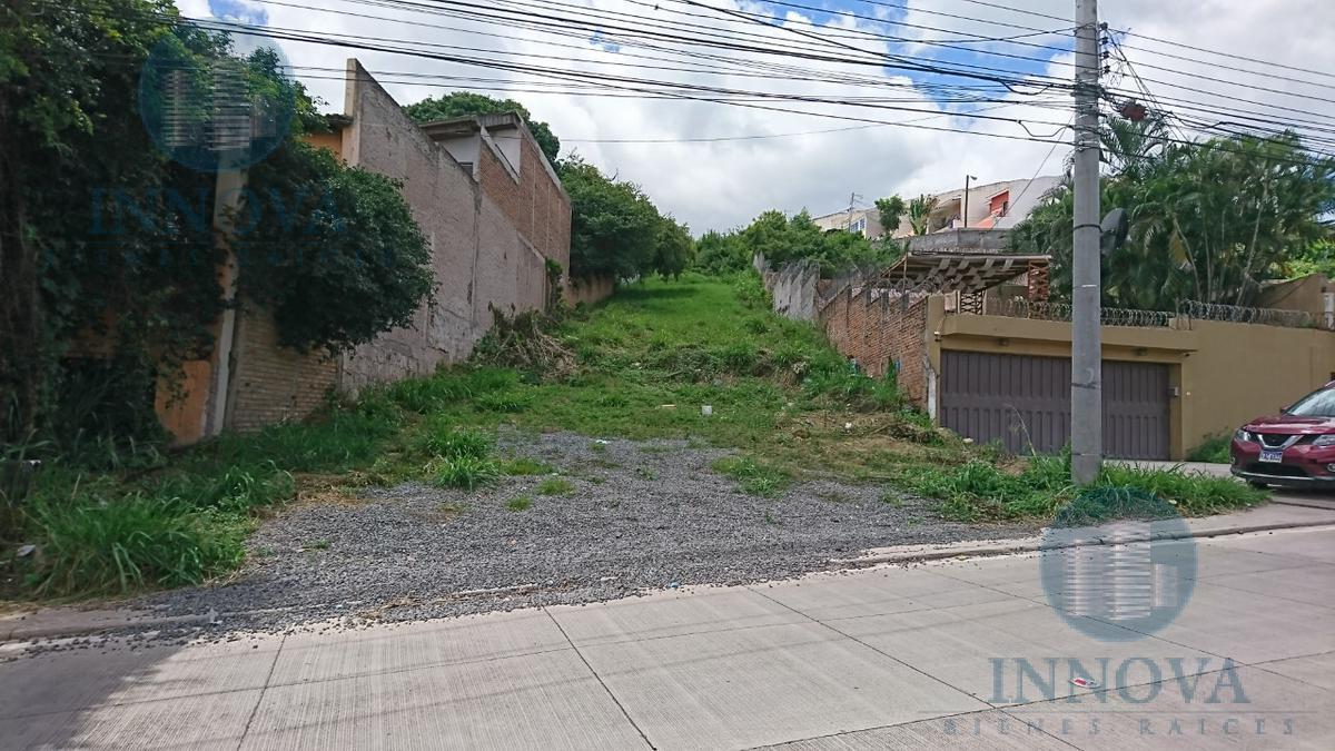 Foto Terreno en Venta en  Villa Olímpica,  Tegucigalpa  Terreno En Venta Calle Principal  Plan de La Loma, Blv San Juan Bosco, entre Villa Olímpica y Blv. La Hacienda Tegucigalpa