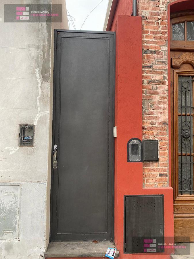 Foto PH en Venta en  La Plata ,  G.B.A. Zona Sur  70 7 y 8
