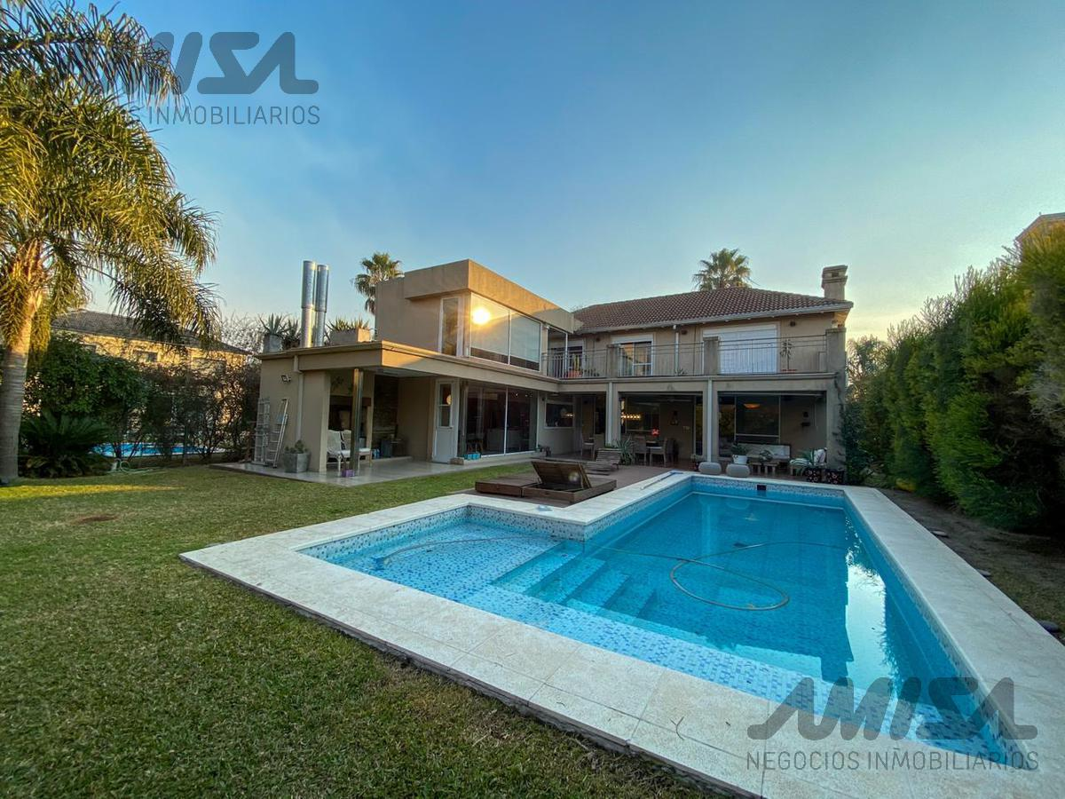 Foto Casa en Venta en  San Marino (Funes Hills),  Funes  Av. Fuerza Aerea al 3100