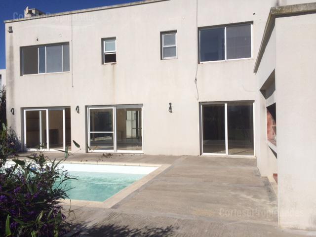 Foto Casa en Venta en  Santa Catalina,  Villanueva  Barrio Santa Catalina OPORTUNIDAD
