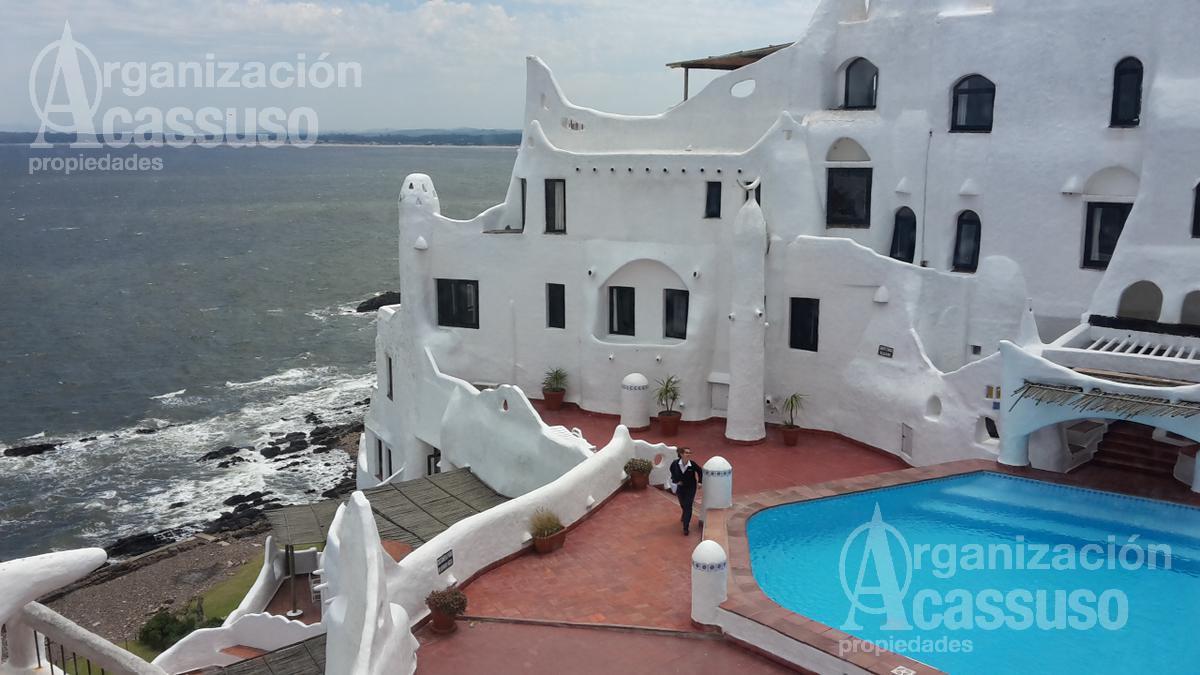 Foto Departamento en Alquiler temporario en  Lomo de la Ballena,  Punta Ballena  Mar Mediterraneo Punta Ballena Casapueblo