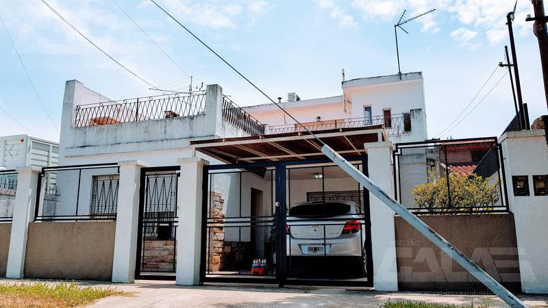 Foto Casa en Venta en  Ituzaingó ,  G.B.A. Zona Oeste  Los Talas Nº685 Entre Udaondo y Las Querencias