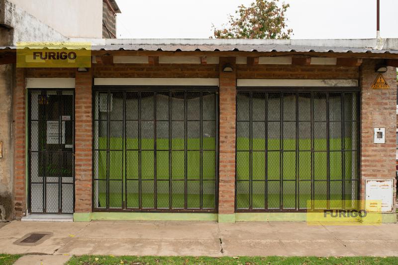 Foto Local en Venta en  Perez ,  Santa Fe  Roque Pérez al 1000