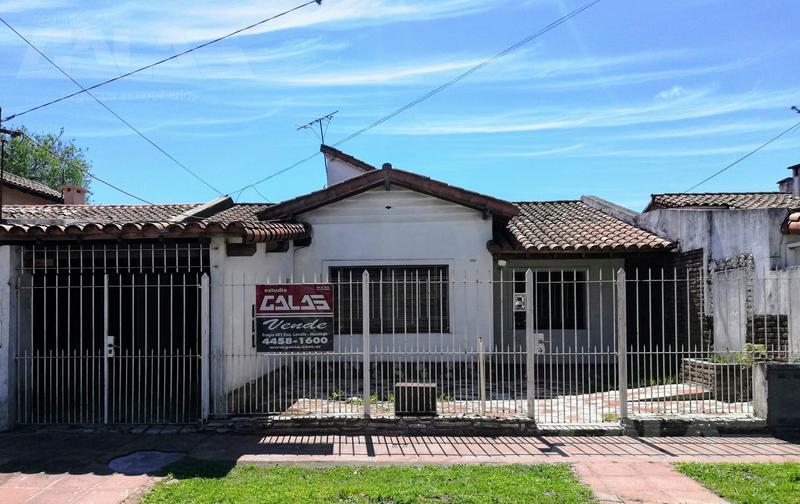 Foto Casa en Venta en  Ituzaingó Norte,  Ituzaingó  Almagro al 1600