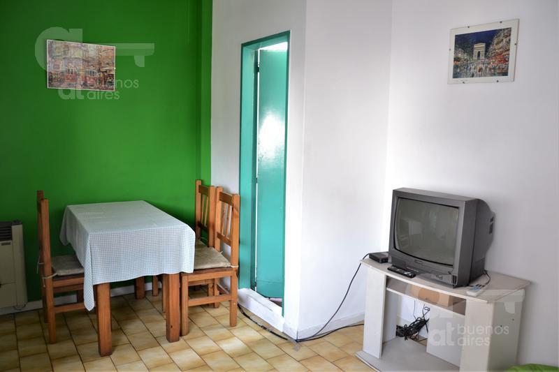 Foto Departamento en Alquiler temporario en  Villa Urquiza ,  Capital Federal  Av. Triunvirato al 3000, esquina Tronador