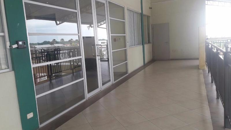Foto Oficina en Alquiler en  Vía a la Costa,  Guayaquil  ALQUILER DE OFICINA COMERCIAL EN VÍA A LA COSTA