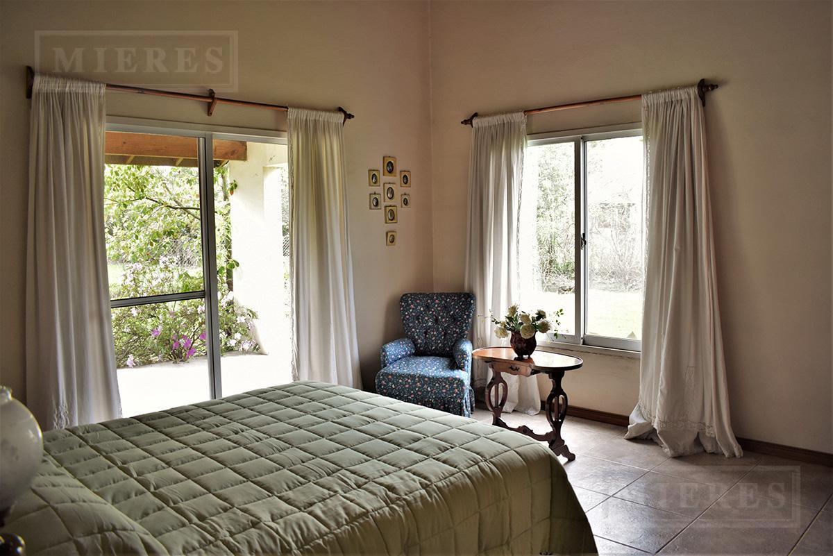 MIERES Propiedades- Casa de 220 mts en Villa Rosa