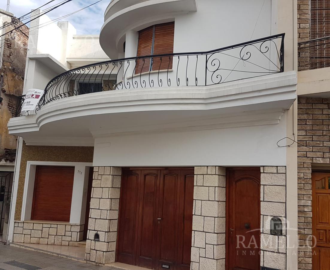 Foto Casa en Alquiler en  Centro,  Rio Cuarto  Bv. Roca al 700